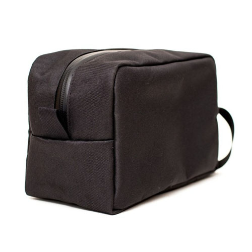 the-toiletry-bag