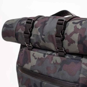 the-rolltop-backpack_09